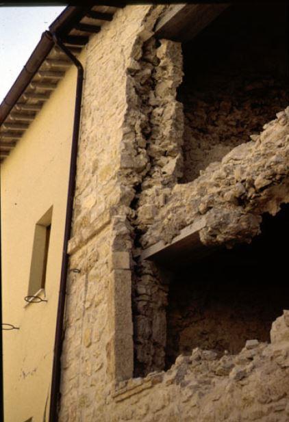 Collasso locale murature